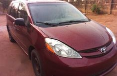 Toyota Sienna LE 2008 Red for sale