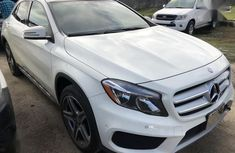 Best priced used white 2015 Mercedes-Benz GLA automatic in Lagos