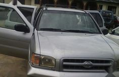 Selling grey 2002 Nissan Pathfinder in Port Harcourt