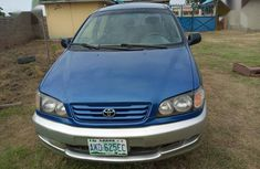 Selling blue 2004 Toyota Picnic suv manual at price ₦1,200,000