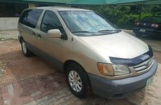Need to sell high quality 2001 Toyota Sienna van / minibus automatic in Ibadan