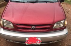 Well maintained 2001 Toyota Sienna van for sale at price ₦780,000