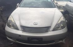 Sell well kept grey/silver 2005 Lexus ES automatic