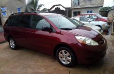 Used 2005 Toyota Sienna car automatic at attractive price in Umuahia