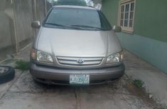 Sell well kept 2003 Toyota Sienna automatic at price ₦1,000,000 in Oyo