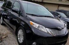 Need to sell cheap used 2012 Toyota Sienna van / minibus in Ikeja
