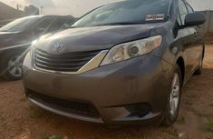 Sell well kept 2012 Toyota Sienna suv automatic in Ibadan