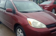 Toyota Sienna 2005 XLE Red for sale