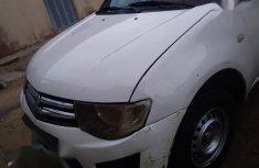 Used white 2012 Mitsubishi L200 car manual at attractive price