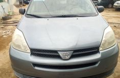 Authentic used 2004 Toyota Sienna at mileage 162,390 for sale