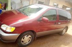 Sell well kept 2002 Toyota Sienna automatic in Ikeja