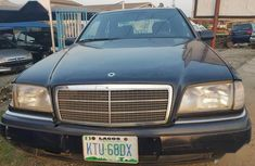 Need to sell blue 2003 Mercedes-Benz 220 at mileage 98,520 in Lagos