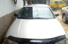 Selling authentic 2000 Toyota Camry in Lagos