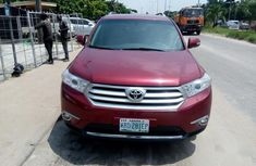 Sell cheap red 2008 Toyota Highlander automatic at mileage 113,000