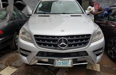 Selling grey  2014 Mercedes-Benz ML350 at cheap price