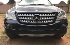 Sharp black 2008 Mercedes-Benz ML350 suv automatic for sale
