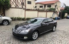 Well maintained black 2010 Lexus ES automatic for sale at price ₦4,100,000
