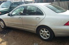 Need to sell used 2003 Mercedes-Benz C180 in Abuja at cheap price