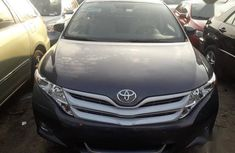 Selling 2013 Toyota Venza suv automatic in good condition