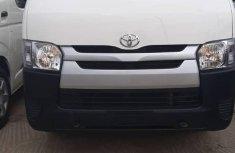 Selling white 2014 Toyota HiAce manual in Lagos