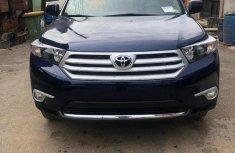 Toyota Highlander SE 2011 Blue color for sale