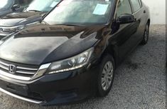 Need to sell 2013 Honda Accord automatic in good condition in Lagos