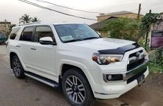 Sell white 2018 Toyota 4-Runner automatic at cheap price