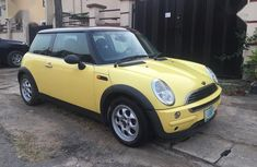 Need to sell cheap used 2003 Mini Cooper in Lagos