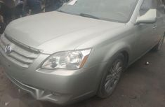 Well maintained 2006 Toyota Avalon automatic for sale