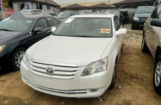 White 2007 Toyota Avalon sedan for sale at price ₦2,950,000 in Lagos