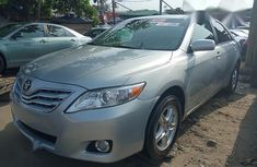 Selling grey 2008 Toyota Camry sedan in good condition