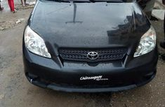 Need to sell cheap used black 2005 Toyota Matrix suv  automatic