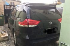 Need to sell cheap 2013 Toyota Sienna van at mileage 84,000