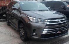Used 2018 Toyota Highlander suv automatic for sale at price ₦21,000,000