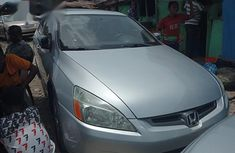 Selling 2005 Honda Accord automatic at mileage 85,000