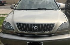 Sell gold 1999 Lexus RX automatic at mileage 98,470