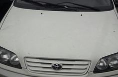 Sell well kept white 2000 Toyota Picnic van / minibus automatic