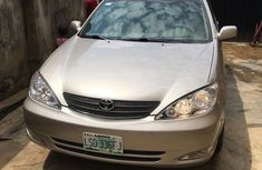 Toyota Camry 2.4 XLE 2005 Gold for sale