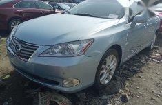 Selling blue 2010 Lexus ES automatic at mileage 57,000