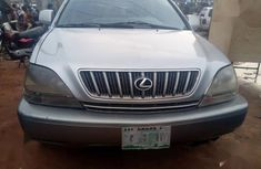 Selling 2002 Lexus RX suv in good condition at price ₦1,280,000