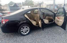 Sell well kept black 2010 Lexus ES automatic at price ₦3,900,000
