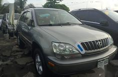 Best priced used 1999 Lexus RX in Lagos