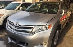 Selling grey 2014 Toyota Venza suv / crossover in good condition