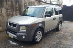 Sell grey 2005 Honda Element automatic in Lagos at cheap price