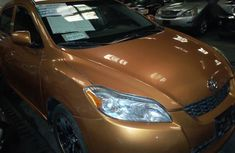 Need to sell cheap used 2009 Toyota Matrix automatic in Lagos