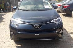 Need to sell blue 2018 Toyota RAV4 suv at price ₦14,500,000