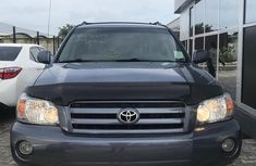 Blue 2007 Toyota Highlander automatic at mileage 85,000 for sale