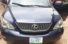 Need to sell 2005 Lexus RX automatic in good condition in Owerri