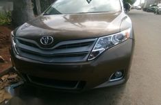 Need to sell brown 2014 Toyota Venza at price ₦7,500,000