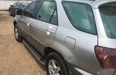Need to sell high quality 2000 Lexus RX suv  at price ₦1,250,000 in Lagos